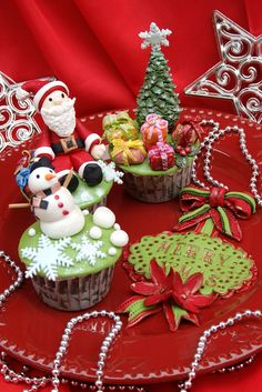 Christmas cupcakes. #holidays #christmas #cupcakes