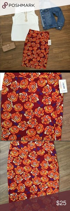 NWT LuLaRoe Cassie Size small Reserved for stephsr21 LuLaRoe Skirts Pencil