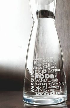 Voda, karafa, 1l, nápisy Voda  různé jazyky Water, Jug,  Wasser, water Carafe, Cleaning Supplies, Soap, Bottle, Water, Gripe Water, Decanter, Flask, Aqua