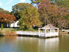 Fall Pictorial of Mansions & Gazebos on Silver Lake in Rehoboth Beach Delaware