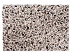 Unsere Sukhi-Steinteppiche sind aus 100%-iger Wolle hergestellt. Und wir benutzen ausschließlich hoch qualitative Wolle aus Neuseeland. Das macht den Unterschied.  Erfahren Sie den Unterschied und bestellen Sie einen Ishaan Stein-Teppich noch heute! www.sukhi.de
