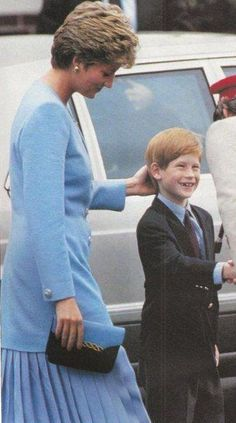 Date/info update: July Princess Diana and Prince Harry Hohne Barracks in Winsen, West Germany (from other pics). Princess Diana in a light blue suit with a pleated skirt. Prince Harry Of Wales, Prince William And Harry, Prince Harry And Meghan, Prince Charles, Prince Henry, Uk Prince, Lady Diana Spencer, Diana Son, Princess Diana Family