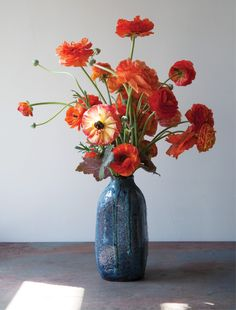 Stunning, Painterly Floral Arrangements to Inspire Your Spring Bouquets – Bouquet Of Sunflowers Spring Flower Arrangements, Beautiful Flower Arrangements, Flower Vases, Colorful Flowers, Floral Arrangements, Beautiful Flowers, Orchid Flowers, Flowers In A Vase, Cut Flowers