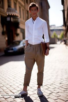 New post on mens-fashion-inspiration Mens Fashion Blog, Latest Mens Fashion, Fashion Design, Style Fashion, Fashion Trends, Mens Style Guide, Men Style Tips, Casual Summer Outfits, Work Outfits