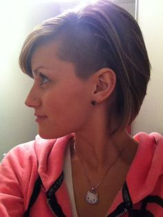 Easy Short Hair Updos That Will Take Eight Minutes or Less – HerHairdos Edgy Short Hair, Edgy Hair, Short Hair Styles Easy, Short Hair Updo, Girl Short Hair, Messy Hairstyles, Short Hair Cuts, Shaved Hairstyles, Curly Haircuts