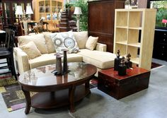 Oval Coffee Table (21678-1) - Consignment Northwest
