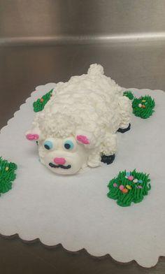 Lamb cupcake critter Lamb Cupcakes, Sheep Cupcakes, Cupcake Decorations, Cupcake Ideas, Pull Apart Cupcake Cake, Cupcake Cakes, Awesome Cakes, Cute Cakes, Cake Decorating Piping