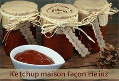 Ce ketchup maison façon Heinz est vraiment ressemblant à l'orignal mais avec une petite touche légèrement épicée. Il est moins sucré que l'original donc meilleur pour la santé et prêt en seulement quelques minutes. Chez nous, on l'a adopté. C'est une recette intéressante pour offrir …