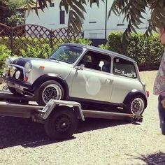 Mini Cooper Custom, Mini Cooper Classic, Classic Mini, Classic Cars, Mini Clubman, Mini Coopers, Retro Cars, Vintage Cars, Mini Morris