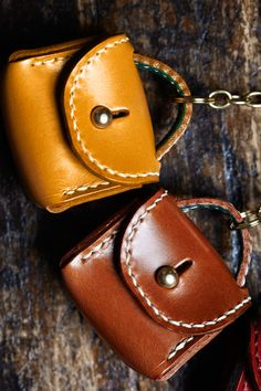 cool little leather bags -- www.hansonoflondon.com