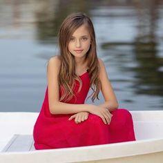 Beautiful Red Dresses, Beautiful Little Girls, Cute Little Girls, Beautiful Children, Teen Models, Young Models, Child Models, Tween Fashion, Baby Girl Fashion