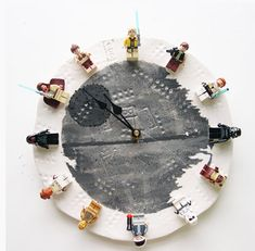 DIY LEGO Star Wars clock instructions.