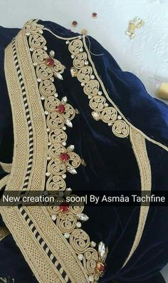 Blue caftan Zardozi Embroidery, Embroidery Dress, Kaftan Moroccan, Romanian Lace, Afghan Dresses, Lace Outfit, Caftan Dress, Gold Work, Embroidery Fashion