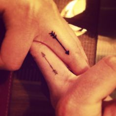 couple-with-arrows-finger-tattoo.jpg (736×736)