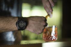 Κομμένα τα πάρτυ είπαν, όχι όμως και η απόλαυση... #TGIF Tgif, Wood Watch, Quartz, Watches, Accessories, Vintage, Wooden Clock, Wristwatches, Clocks
