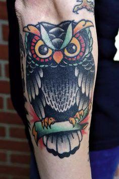 Das wunderschöne eulen tattoo vom casper aka benjamin griffey. Schönstes tattoo. Schönster mann. #CasperGang