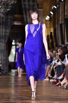 Fashion Weeks   Tendências de vestido de noiva e madrinhas - Portal iCasei Casamentos
