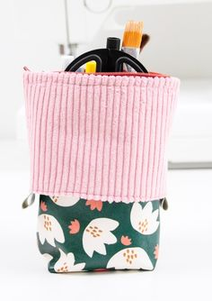 Make Gold, Pencil Case Tutorial, Pop Up, Crayon, Diaper Bag, Diy And Crafts, Sewing Patterns, Applique, Coin Purse