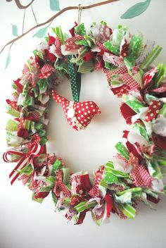 Birdie Fabric Christmas Wreath- decoration, hanging, eclectic, xmas, red, green - by BubbyMakesThree on madeit