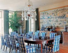 Blue Gingham Slipcovered Dining Chairs Room by Bunny Williams Chandelier Dining Chair Slipcovers, Dining Chairs, Dining Rooms, Room Chairs, Dining Area, Blue Chairs, Accent Chairs, Chinoiserie Chic, Decoration