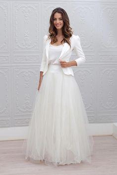 ie - Marie Laporte, collection 2015 - SANS blazer Chic Wedding Dresses, Affordable Wedding Dresses, Wedding Attire, Bridal Dresses, Wedding Gowns, Formal Dresses, Wedding Blog, Wedding Robe, Wedding Ideas