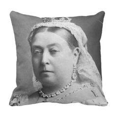 Queen Of England Pillows - Decorative & Throw Pillows | Zazzle