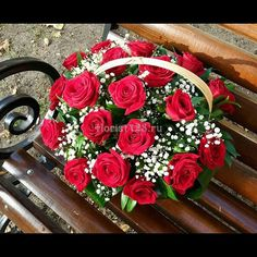 Корзинка с розочкой #цветы #розы #красныерозы #корзиныцветов #корзиныназаказ #корзинацветов #цветыназаказ #букетназаказ #букет #букетцветов #краснодар #доставкацветов #доставкацветовкраснодар #цветочнаякомпозиция #краснодар #florist123 #zvetochniyvals #цветочныйвальс #цветочныйвальскраснодар #zvetochniyvalskrasnodar #krasnodar #заказатьцветы #заказроз Floral Wreath, Wreaths, Home Decor, Flower Crowns, Deco Mesh Wreaths, Garlands, Home Interior Design, Floral Arrangements, Decoration Home