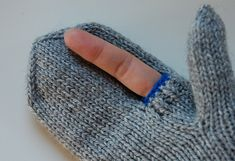 Photographer Mittens - Free Pattern on Ravelry