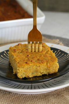 The most delicious and healthy sweet potato, zucchini & bacon slice! This freezer-friendly slice is perfect for the whole family! Healthy Meals For Kids, Kids Meals, Healthy Eating, Sweet Potato Slices, Zucchini Slice, Winter Vegetables, Lunch Box Recipes, Family Meals, Family Kids
