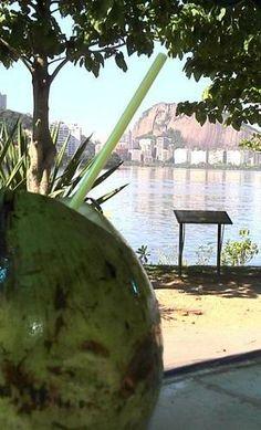 Pausa para o coco no Parque dos Patins - Lagoa Rodrigo de Freitas