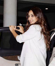 Kiara Advani, Memes, Coat, Beautiful, Beauty, Fashion, Moda, Sewing Coat, Fashion Styles
