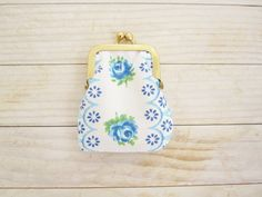 Kiss lock coin purse mini tiny wallet pouch clip frame change purse rose flower blue green white vintage cotton white lining gold frame gift by poppyshome on Etsy