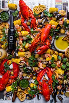 Seaside Sunshine Happiness = This. Summertime Seafood Boil with Summer season Herb French dressing & Grilled Rosemary Olive Oil Bread with Olive Oils from Spain. Seafood Boil Party, Fish And Seafood, Seafood Broil, Crab Party, Olives, Banquet, Olive Oil Bread, Boiled Food, Seafood Platter
