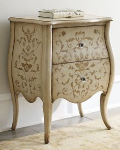 stenciling on a bombay chest-love!