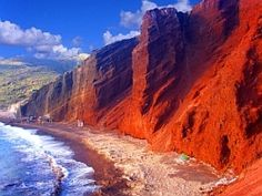 Tours for Women - Athens and the Greek Isles - Red Beaches of Santorini Red Beach, Beach Fun, Great Places, Beautiful Places, Travel Around The World, Around The Worlds, Greek Isles, Santorini, Athens