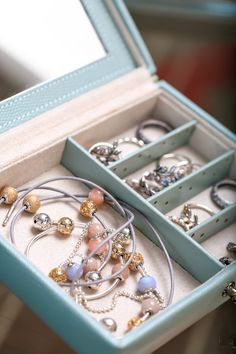 What is your biggest wish this year? We are wishing for a jewellery box filled with dazzling jewellery. Pandora Bracelet Pink, Pandora Charms Rose Gold, New Pandora, Pandora Jewelry, Marie Antoinette, Jewelry Tags, Jewelry Gifts, Pandora Essence, Viva Luxury