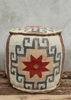 Western Decor, Rustic Decor, Tapete Floral, Home Living, Traditional Rugs, Home Accessories, Upholstery, Textiles, Weaving