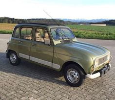 Renault 4 France, Automobile, Auto Retro, Mini Trucks, Small Cars, Car Car, Sport Cars, Old Cars, Concept Cars