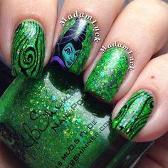 Instagram media by madamluck -Maleficent  #nail #nails #nailart #comicsnailsdesign Crazy Nail Art, Crazy Nails, Fun Nails, Pretty Nails, Maleficent Nails, Comic Nail Art, Aztec Nails, Disney Nails, Disney Makeup