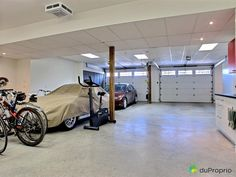 Garage de rêve à voir à Orford #DuProprio Condo, Stationary, Gym Equipment, Dream Garage, Real Estate, Exercise Equipment, Training Equipment
