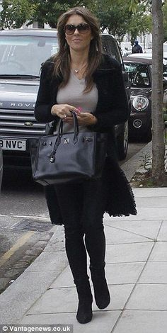Liz Hurley in our Cashmere Coco Coat! #LizHurley #NUANCASHMERE #Fashion