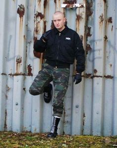 """punkerskinhead: """"skinheads and camouflage pants are a perfect combination """" Skinhead Men, Skinhead Boots, Skinhead Fashion, Black Laces, Black Boots, Skin Head, Camouflage Pants, Army Men, Bomber Jacket Men"""