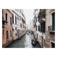 @gypsyandtheraven | Instagram | Bohemian Living | Wanderlust | Venice