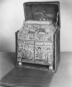 Casket | V&A Search the Collections