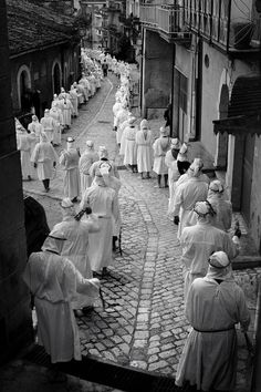 The scourging #holy_saturday #procession #penitent #san_lorenzo_maggiore #italy Procession of the penitents who happens on the day of Holy Saturday in San Lorenzo Maggiore. -- Your Shot. NATIONAL GEOGRAPHIC.