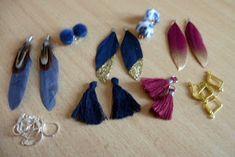 Deze prachtige oorbellen maak je gewoon eenvoudig zelf! https://www.kralenstulpje.nl/c-4382852/prachtige-trendy-oorbellen-met-veertjes-pompons-en-kwastjes/