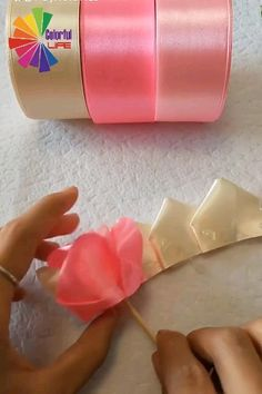 Creative And Beautiful DİY Blumen pfriemeln The post Creative And Beautiful DİY Blumen basteln appeared first on PINK DiY. Diy Crafts For Gifts, Diy Home Crafts, Diy Arts And Crafts, Creative Crafts, Creative Ideas, Creative Thinking, Diy Crafts Videos, Diy Videos, Paper Flowers Craft
