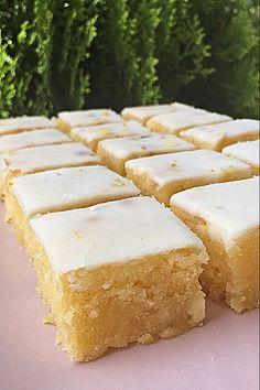 receta-brownie-limon-y-chocolate Flan, Margarita, Cornbread, Cooking Recipes, Chocolate Blanco, Ethnic Recipes, Sweet, Lemon Cookies, Homemade Cookie Recipe