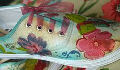 Decoupage with paper napkins onto Canvas Sneakers. Now think of the adorable napkins you have seen. Decoupage with paper napkins onto Canvas Sneakers. Now think of the adorable napkins you have seen. Decoupage On Canvas, Altered Canvas, Napkin Decoupage, Decoupage Furniture, Decoupage Vintage, Decoupage Paper, Decoupage Ideas, Shoe Refashion, Arts And Crafts