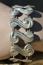 VINTAGE MEXICAN TAXCO SOLID CAST 925 STERLING SILVER LINK BRACELET - JEWELRY